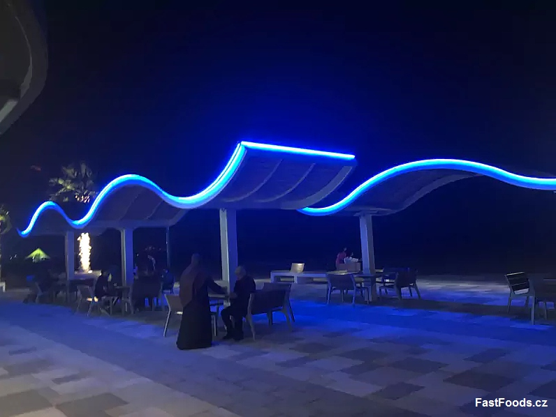 Bageterie boulevard dubai UAE fastfoods.cz 04